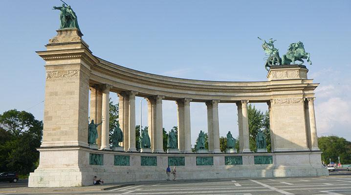 Cosa vedere a Budapest piazzale degli eroi